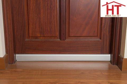 thanh chặn đáy cửa màu bạc